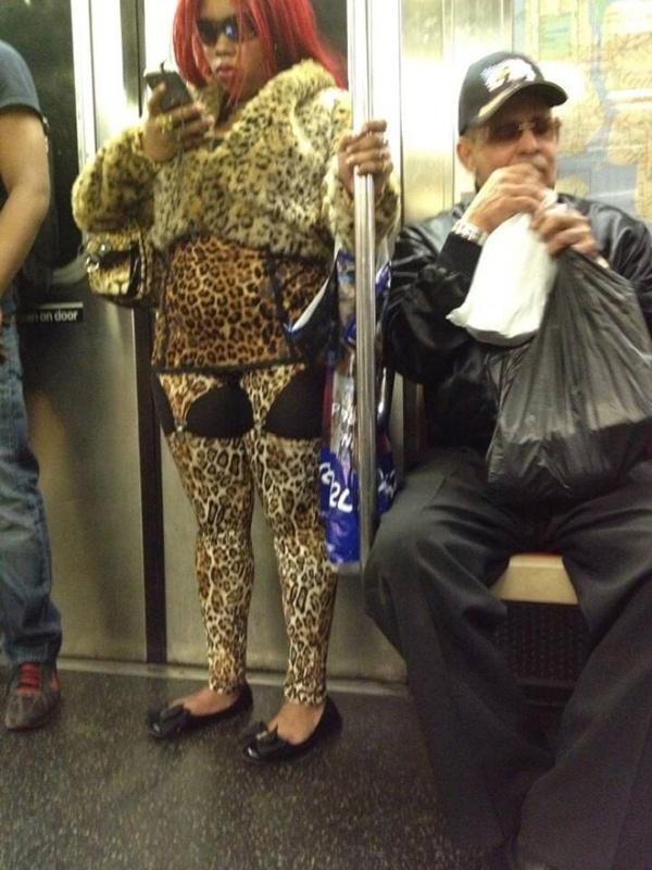 Pessoas no metrô 1