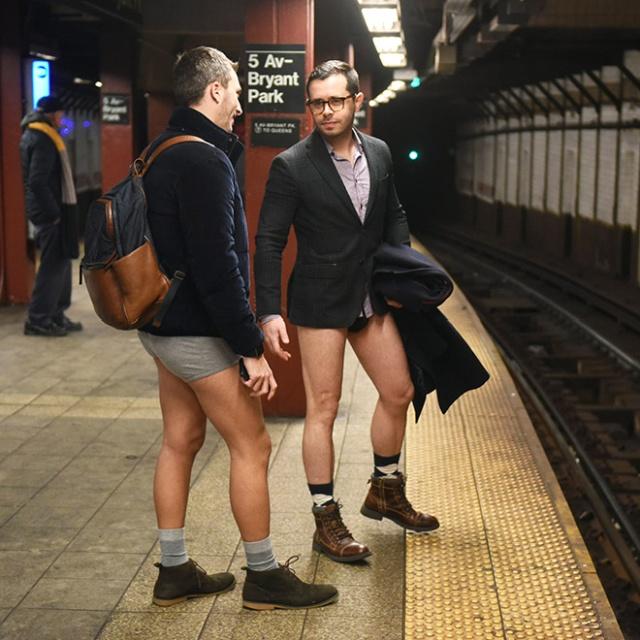 Pessoas no metrô 14