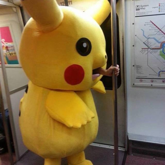 Pessoas no metrô 2