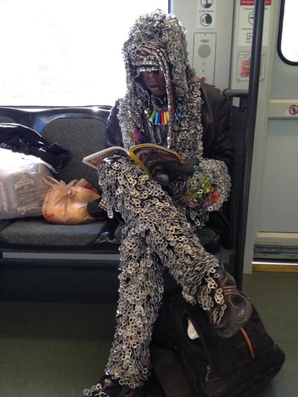 Pessoas no metrô 4