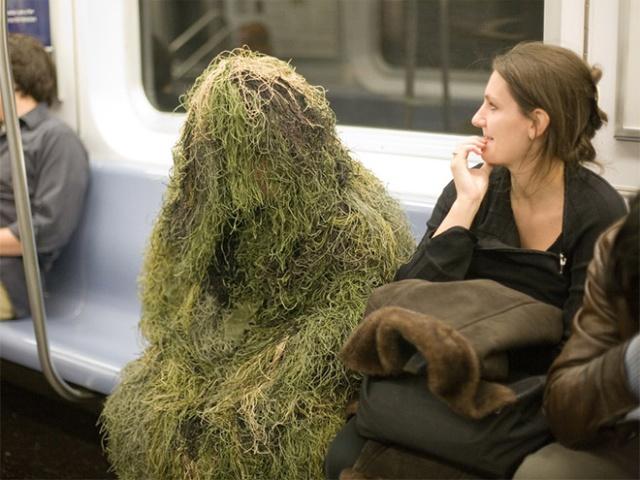 Pessoas no metrô 17